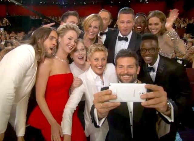 1394132851_ellen-degeneres-oscars-selfie-zoom