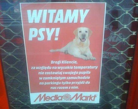 z18325993AA,Plakat-w-witrynie-sklepu-Media-Markt (1)