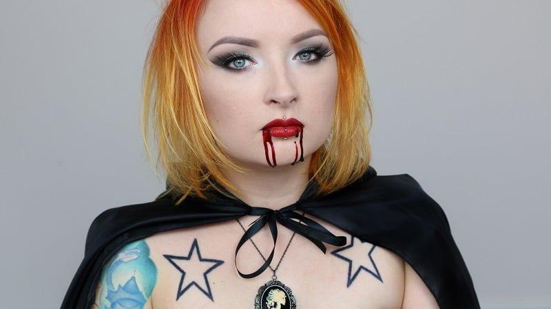 wampirka1_Ewa_Grzelakowska – Kostoglu_red_lipstick_monster
