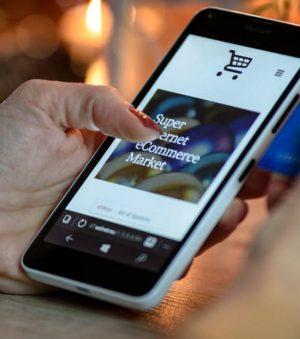 Jakich informacji szuka kupujący w e-sklepie?