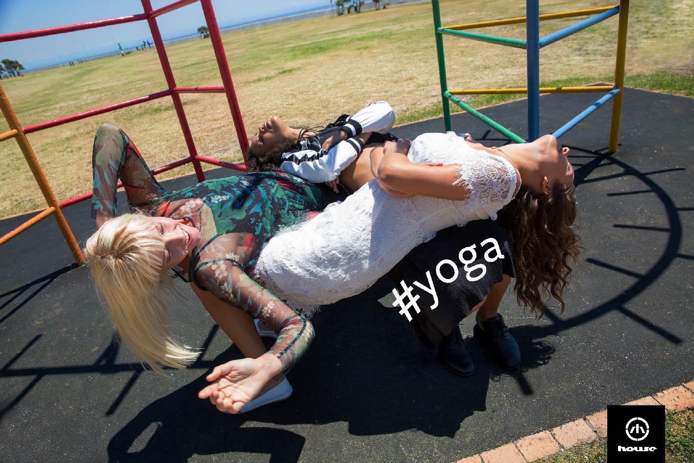 #YOGA_2400
