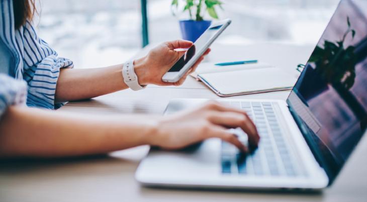 70% kupujących przez internet płaci za zakupy szybkim przelewem